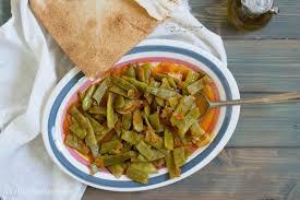 cuisine libanaise traditionnelle loubié bi zeit libanais tasty mediterraneo