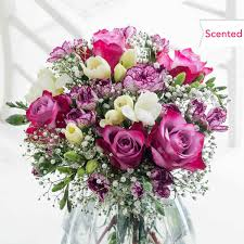 cheap flowers free delivery freesias freesia bouquets free delivery flying flowers