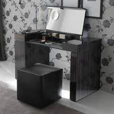 Small Vanity Set For Bedroom Makeup Vanity Stirring Small Vanity Makeup Table Images