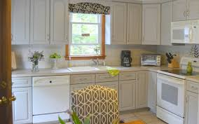 Kitchen Cabinet Valance A Kitchen Cabinet Makeover