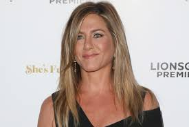 Jennifer Aniston Wedding Ring by Jennifer Aniston Debuts Wedding Ring Discusses The Big Day For