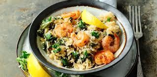 comment cuisiner le chou kale risotto au chou kale et aux crevettes recette sur cuisine actuelle