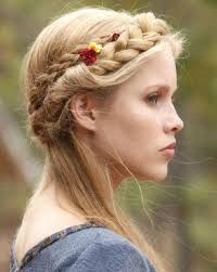 15 fun ideas for long hairstyles among fashion blog
