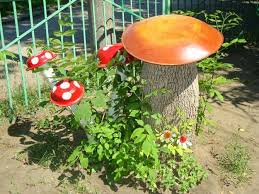 Pictures Of Tree Stump Decorating Ideas 25 Ideas To Recycle Tree Stumps For Garden Art And Yard Decorations
