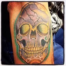 skull by lisa strange tattoo skull tattoos by lisa strange