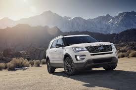 compare honda pilot and ford explorer 2017 ford explorer vs 2017 gmc acadia compare cars