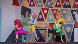 Sia Singing Chandelier Live Maddie Ziegler Perform S Chandelier Live On Jimmy Kimmel