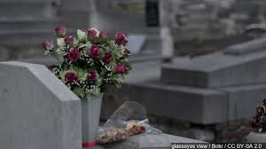 Vases Stolen From Cemetery Thieves Take 50 000 In Bronze Vases From Local Cemetery