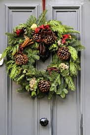 Decorated Christmas Wreaths Ideas by Christmas Wreath Decorating Ideas Learntoride Co