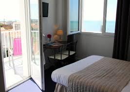 hotel de charme avec dans la chambre chambre vue mer avec balcon hotel oleron hotels ile d