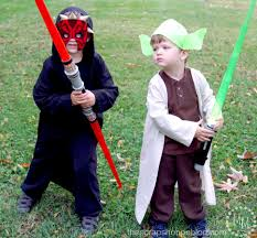 Family Of 5 Halloween Costumes Darth Maul And Yoda Costumes Fun Family Crafts