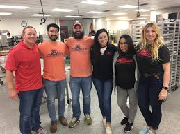 san antonio team members volunteer for raul jimenez thanksgiving