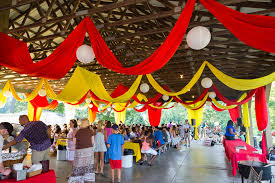 carnival decorations 311 smokey glen farm wedding jpg 958 639 party decor