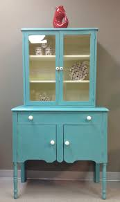 kitchen cabinet painted in a mixture of florence and provence
