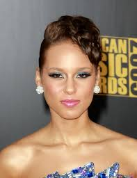 pictures of updo rihanna hairstyles