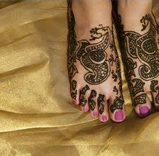 indian mehendi art decorating your hands with natural home made