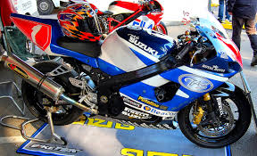 suzuki motorcycle file flickr ronsaunders47 the suzuki motorcycle in racing trim