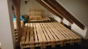 sofa paletten sofa wohnzimmer aus paletten diy manuel kuehner