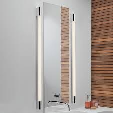 Bad Spiegelleuchte Spiegelbeleuchtung Im Bad Einfach Erklärt Reuter Magazin