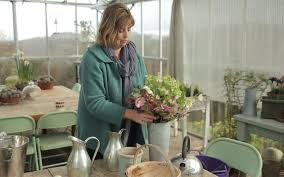 How To Revive Flowers In A Vase Video How To Pick And Arrange Hellebores Telegraph