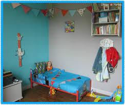 fanion deco chambre chambre de garcon déco d enfant