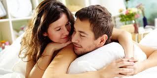 mau hubungan intim sama suami makin hot lakukan di waktu ini
