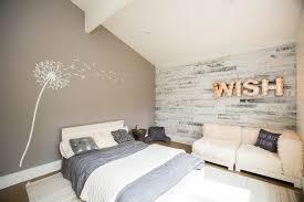 papier chambre adulte beau papier peint chambre adulte 12 lambris bois blanc inviter le