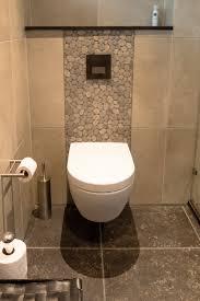 badkamer wc design modern wc landelijke badkamer met natuursteen look a like vloertegels met