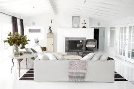Cozy Family Room Design Themoatgroupcriterionus - Family room size
