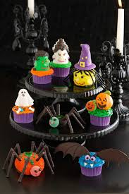 Halloween Decorations For Cakes by 35 Halloween Cupcake Ideas Recipes For Cute And Scary Halloween