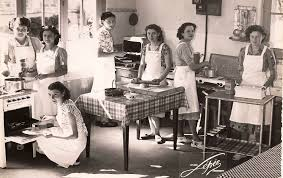 menagere cuisine zette cuisine à l école ménagère itinérante 2 2 de traces en bouchures