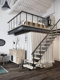 suspended bed loft branco preto cinza e amarelo em praga lofts suspended