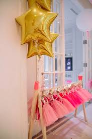 Tutu Party Decorations 17 Beste Ideer Om Tutu Party Decorations På Pinterest Baby