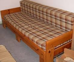 canapé en pin intérieur déco