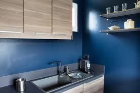 cuisine bleu marine cuisine bleu marine nouveau cuisine mur bleu design à la maison