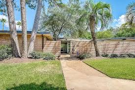 1950s Home Sprawling Former Home Of Galveston Crime Boss Can Be Yours For