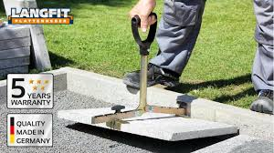Paving Slabs For Patios by Langfit Paving Slab Lifter With The Extra Long Handle Youtube