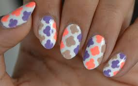 easy quatrefoil nail art only dotting tool required youtube