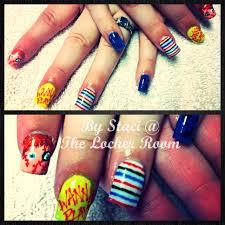 nailove2807 disney themed halloween nails mickey minnie 268 best 170 best halloween nails images on pinterest vampire teeth
