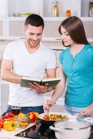 livre cuisine homme apprendre à cuisiner ensemble bonne de cuisson dans la