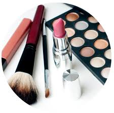How To Be A Professional Makeup Artist Your Career Roadmap Qc Makeup Academy