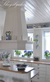 Designer White Kitchens by Best 25 Swedish Kitchen Ideas On Pinterest Scandinavian Small
