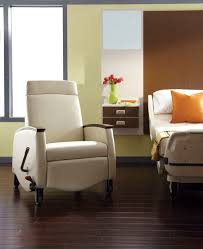 Chair Casters For Laminate Floors Reclining Patient Chair On Casters With Legrest
