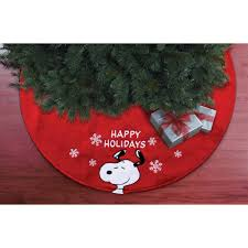 Snoopy Decorating Christmas Tree by 48