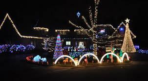 winnetka houses light up the holidays the winnetka current