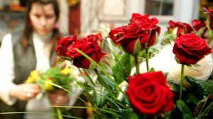 flower delivery services startups challenge traditional flower delivery services for