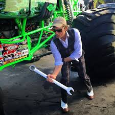 grave digger monster truck costume photos david lee roth at monster jam u0026 new u0027roth show u0027 episode
