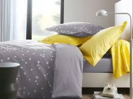 deco chambre gris et jaune comment associer la couleur jaune en déco d intérieur