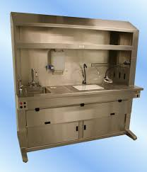 cryostat decontamination includes cleaning the debris and desinfection