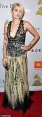paris jackson grammy awards 2017 wallpapers paris jackson wows in low cut lacy floral frock at grammy party